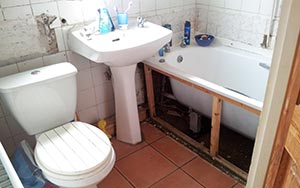Bathroom in need of some TLC